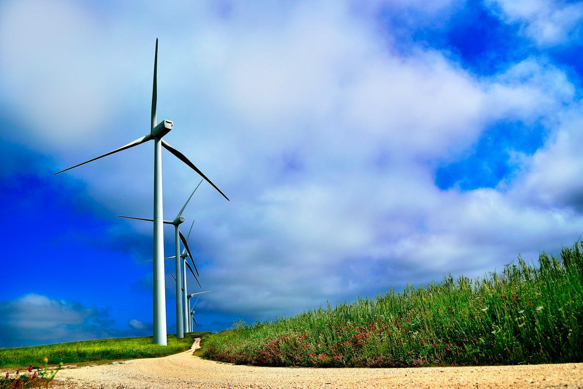 Posición del sector eólico ante la respuesta aclaratoria de MITECO sobre el cálculo de la minoración del exceso de retribución del mercado eléctrico del Real Decreto ley 17/2021